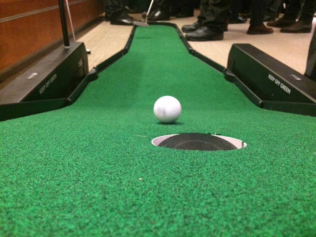 golf putting challenge game hire